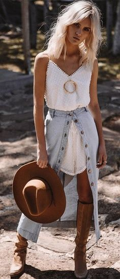 aa0b815089ff Stunning 39 Brilliant Summer Outfits To Beat The Summer Heat  https   inspinre.com 2018 04 03 39-brilliant-summer-outfits-to-bea…