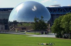 La Géode - Located in the heart of the Parc de la Villette, the Géode is an exceptional cinema for so many reasons: the giant steel globe,...