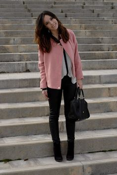 #goldchain #jewerly #chloecoat #pink #dustypink # pastelcoat #bomber #leatherpants #blackandwhite #purificaciongarcia #fall #winter #fashion #style #outfit #myarmyofclothes #look #mariaramos #fashion #streetstyle http://myarmyofclothes.blogspot.com.es/