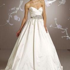 I love Lazaro dresses!!