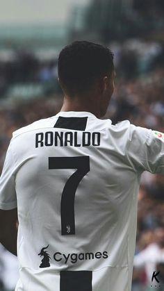 Cristiano Ronaldo Cr7, Messi Vs Ronaldo, Ronaldo Football, Football Is Life, Sport Football, Football Fans, Football Shirts, Soccer Player Tattoos, Soccer Players