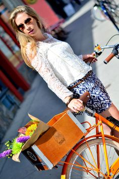 Check out how Becky Kung and other Style Panel members dress for a two-wheel cruise around the city.