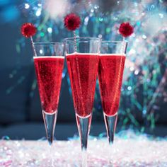 20 ways to pump up a new years eve party christmas cocktails holiday drinks