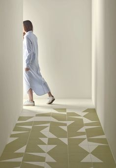 Glazed stoneware wall/floor tiles PUZZLE Puzzle Collection By Mutina design Barber & Osgerby Floor Patterns, Tile Patterns, Mutina Puzzle, Espace Design, Estilo Interior, Spanish Tile, Encaustic Tile, Paris Design, Stone Tiles