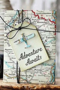 Adventure awaits with this cute and crafty Retirement Gift Card Holder. More Retirement Party Gifts and Ideas on Frugal Coupon Living. fathers day decorating ideas, gift ideas for your dad, day gifts ideas Going Away Parties, Going Away Gifts, Going Away Cards, Creative Gift Wrapping, Creative Gifts, Wrapping Gifts, Gift Wrapping Ideas For Birthdays, Birthday Wrapping Ideas, Map Wrapping Paper