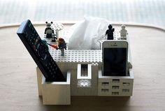 KBme2 constructs DIY LEGO tissue house