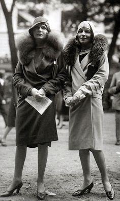 Todos os tamanhos | Paris Fashions at the Grand Steeplechase at Auteuil , 1928 | Flickr – Compartilhamento de fotos!