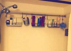 Bathroom organization Apartment Decorating Rental On A Budget For Inspiration 40 The Right Tool - Ve Diy Bathroom, Home Organization, Apartment Decorating Rental, Camper Organization, Space Savers, Apartment Decor, Shower Storage, Home Diy, Apartment Organization