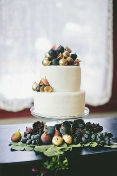 Figs adorn this amazing wedding cake!