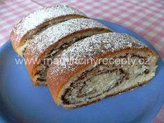 Kynutý kakaový závin Challa Bread, Czech Recipes, Strudel, Hot Dog Buns, Deserts, Dessert Recipes, Food, Czech Republic, Anna