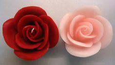 Velas Rosa ideales como detalles de boda, fabricadas con moldes y materiales de Gran Velada