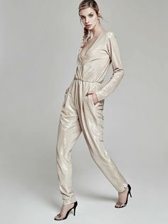 Extra Sparkly for today! Nude Jumpsuit by Oana Pop  #fashion #fashiondesigner #fashionphotography #fashioncollection #fashionmagazine #fashionbrand #oanapop #sparkly #nude #nudejumpsuit #jumpsuit #outfit #details
