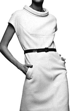 the collar, the cut & structure - contemporary (again!) Editha Dussler in a textured crimpolene dress by Nina Ricci from Vogue Pattern Book, Fall, 1966 Sixties Fashion, Mod Fashion, Vintage Fashion, Womens Fashion, Fashion Trends, Vestidos Vintage, Vintage Dresses, Vintage Outfits, Estilo Jackie Kennedy