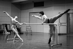 "aurelie-dupont: "" Dorothée Gilbert and Audric Bezard rehearsing Ben Stevenson's Three Preludes Photo © James Bort "" Ballet Images, Ballet Pictures, Ballet Class, Ballet Dancers, Ballerinas, Nagoya, Paris Opera Ballet, Dance Movement, Dance Moves"
