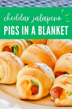 Pigs in a Blanket with Cheese and Jalapeno Mini little smokies cheddar and jalapeno pigs in a blanket: this dish is LOADED with flavor. Pigs In A Blanket Recipe Pillsbury, Pillsbury Crescent Roll Recipes, Pillsbury Rolls, Pilsbury Recipes, Appetizer Party, Appetizer Recipes, Little Smokies Crescent Rolls, Crossant Recipes, Little Smokies Recipes