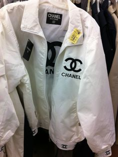 coat black and white chanel windbreaker atropina jacket white chanel style jacket bomber jacket designer boutique vintag Mode Outfits, Casual Outfits, Fashion Outfits, White Outfits, Hipster Outfits, Fashion Pants, Fasion, Fashion Tips, Chanel Style Jacket