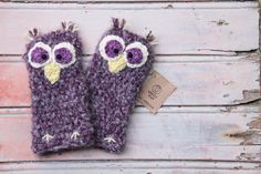 Hey, I found this really awesome Etsy listing at https://www.etsy.com/listing/218847637/owl-fingerless-gloves-handmade-purple