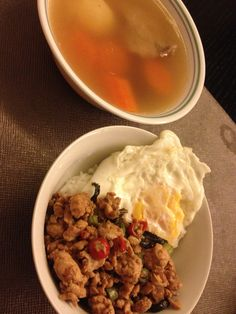 Thai chicken with fried egg and carrot soup