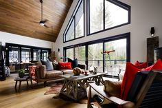 10 Timber Tricks To Make Your Cottage Shine�|�Colin