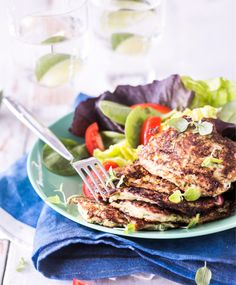 Halloumi, Green Eggs, Salmon Burgers, Beef, Ethnic Recipes, Food, Merry, Drink, Meat