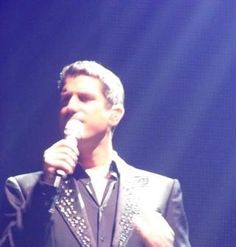 Slight blurred but nevertheless still handsome pic shared by Denise Andrews on FB thank you #sebsoloalbum #teamseb #sebdivo #sifcofficial #ildivofansforcharity #sebastien #izambard #sebastienizambard #ildivo #ildivoofficial #ildivoamorypasion #sebontour #ildivotour #singer #band #musician #music #concert #composer #producer #artist #french #handsome #france #instamusic #amazingmusic #amazingvoice #greatvoice #tenor #teamizambard