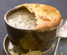 Velouté de champignons en croûte Finger Food Appetizers, Finger Foods, Soup Recipes, Healthy Recipes, Healthy Food, Cooking Pork Chops, Frozen Salmon, Cooking Pumpkin, Cooking Chef