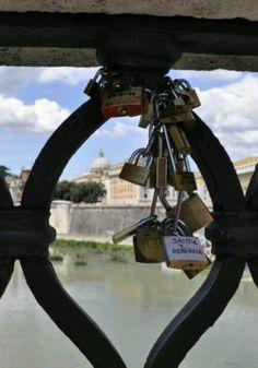 Love locks in Italy Under The Tuscan Sun, Love Lock, Go Around, Locks, Around The Worlds, Italy, London, Travel, Ticket