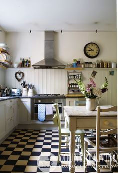 A classic Country Living kitchen. Photo: Charlotte Coward Williams. countryliving.co.uk