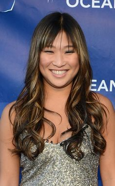 Jenna Ushkowitz shows off a great hairstyle for a round face