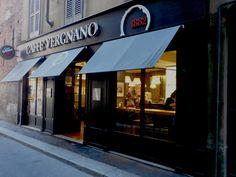 ll caffè Vergnano in una traversa di Via Torino, Milano
