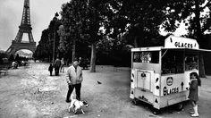 Paris : Die vergangene Stadt Jahrzehntelang fuhr der Fotograf Walter Vogel nach Paris, um die Stadt und ihre Bewohner zu fotografieren. Seine Bilder zeigen eine Stadt, die es so nicht mehr gibt. Paris, Recreational Vehicles, German, Photography, Good Photos, Pictures, City, Deutsch, Montmartre Paris