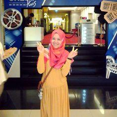 Yellow & red hijab
