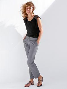 Tee-shirt femme coton/modal empiècements soie et Pantalon capri femme coton tissage fantaisie