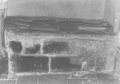 dalle funéraire de Dame Bertho, née Haydurand, Bretagne ; Côtes-d'Armor ; Lamballe