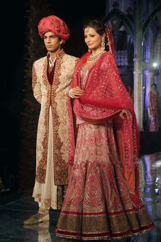 Traditional Indian wedding dress designed by Tarun Tahiliani