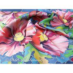 Готов! Получилось волшебно! Как я люблю шелк! #платок #батик #натуральныйшелк. Размер 70х70см. Легкий в уходе. Ручная стирка в холодной воде с шампунем. Отжать в полотенце, прогладить с изнанки И ВСЕ! Носите с удовольствием! Его го можно купить. цена 3700