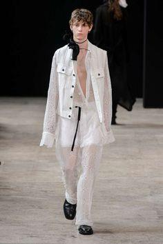 Ann Demeulemeester Spring-Summer 2018 | Paris Fashion Week