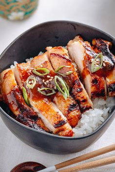 Super quick Miso Chicken 鶏肉の甘辛味噌焼き over steamed rice using my AllPurpose Miso Sauce Easy Japanese recipes at Easy Japanese Recipes, Japanese Dishes, Asian Recipes, Healthy Recipes, Japanese Meals, Japanese Chicken, Fast Recipes, Japanese Food Healthy, Japanese Rice Bowl