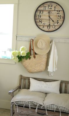 Faded Charm: ~Hanging on Hooks~