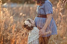 family maternity pictures...Precious