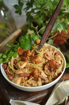 makaron wsosie zkurkami ikurczakiem Polish Recipes, Tortellini, Curry, Food Porn, Good Food, Brunch, Food And Drink, Healthy Eating, Cooking Recipes