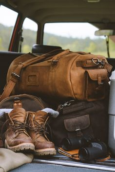 Under my skin Adventure Aesthetic, Camping Aesthetic, Vw Camping, Glamping, Estilo Cool, Foto Portrait, Mans World, Plein Air, Backpacking