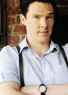 Don't you arch that eyebrow at me, mister. I happen to think suspenders are hot.<--THIS