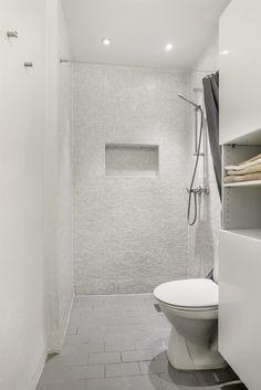 FINN – BESTE GRÜNERLØKKA: En klassisk 2-roms leilighet med lekre detaljer - Balkong - Stukkatur - Peis - Bra standard og god planløsning - Ingen dok.avgift.