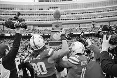 Memorial Stadium in Lincoln, Nebraska on a football Saturday. From www.eyeqpress.com