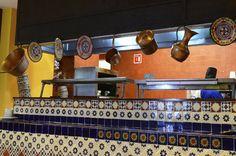 Esta es una parte del restaurante, como se puede ver un restaurante tipo hacienda.
