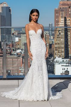 Wedding Dress 99032 by Justin Alexander Signature - Search our photo gallery for pictures of wedding dresses by Justin Alexander Signature. Find the perfect dress with recent Justin Alexander Signature photos. Tulle Wedding Skirt, Crepe Wedding Dress, Fall Wedding Dresses, Wedding Gowns, Wedding Gown Gallery, Wedding Dress Pictures, Bridal Boutique, Just In Case, Bridal Gowns