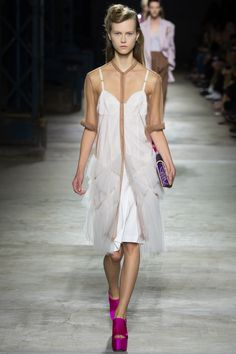 Dries Van Noten Spring 2016 Ready-to-Wear Fashion Show - Julie Hoomans (Women)