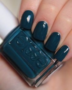 Go Overboard by Essie. Another Essie nail Polish to help start my collection! Fancy Nails, Love Nails, Trendy Nails, How To Do Nails, My Nails, Essie Nail Polish, Nail Polish Colors, Nail Polishes, Gel Polish