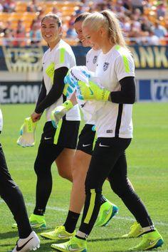 soccerthebeautifulgame:   GK Squad |Open Practice.... - AshlynHarris&AliKrieger;